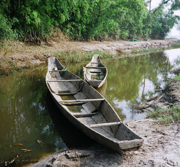 Five Plank boat in a ditch